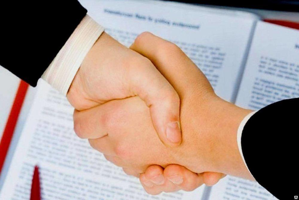 Купить фирму с лицензией или оформить самому?